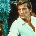 007 Roger Moore