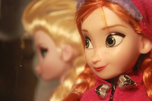 Anna and Elsa poupées