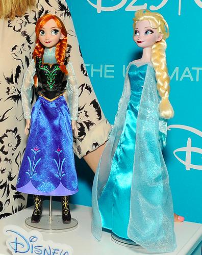 Anna and Elsa 玩偶