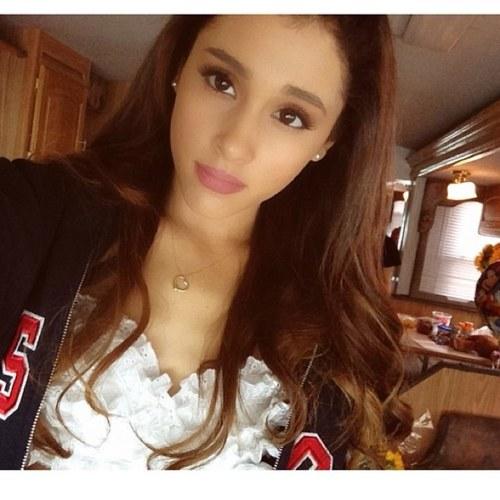 Ariana *-*