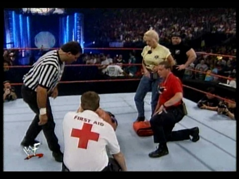 Former WWE Diva & Miss TNA... Kathy Dingman achtergrond possibly containing a basketbal player called BB - Unforgiven 1999