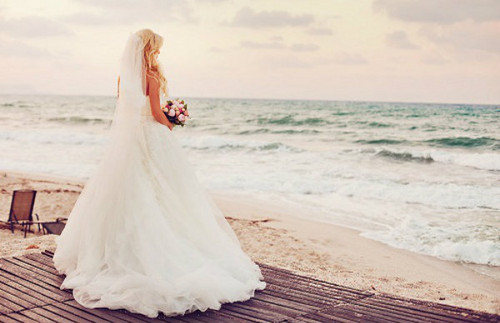 Bride on bờ biển, bãi biển