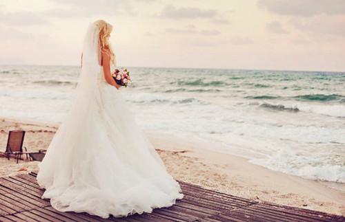 Bride on strand