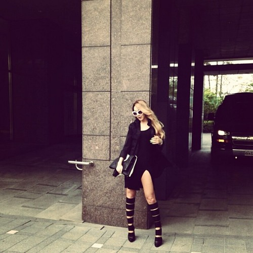 CL's Instagram mga litrato