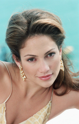 Jennifer Lopez Hintergrund possibly containing a portrait titled Cannes Film Festival 1998