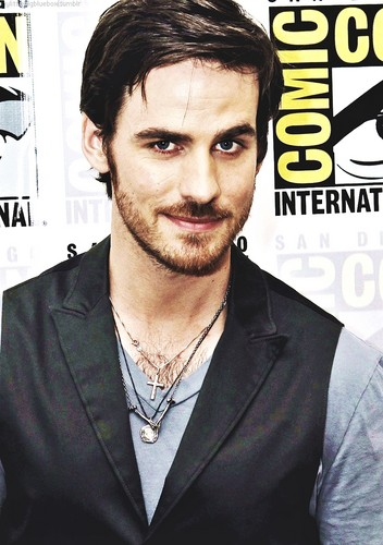 Colin O'Donoghue kertas dinding probably with a business suit called Colin O'Donoghue at Comic Con 2013