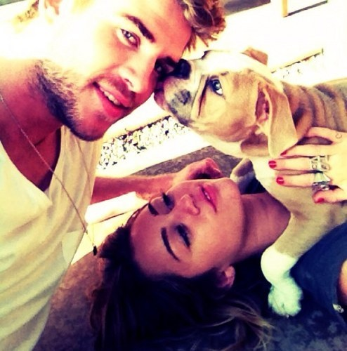 Cuty Miley with her dog !!