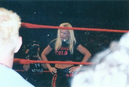 Debra - RAW candid 3/09/2001