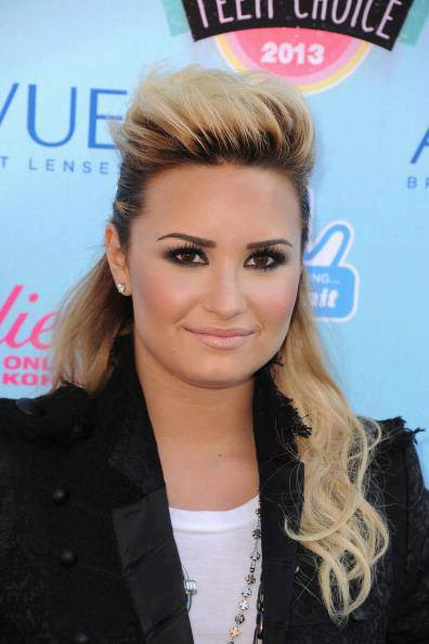demi lovato dating anyone 2013 corvette