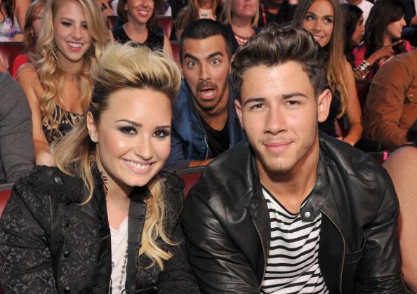 The Jonas Brothers Demi Lovato   Nick Jonas And Joe Jonas At TCA 2013Nick Jonas Demi Lovato 2013