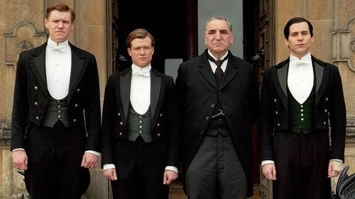 Downton Abbey پیپر وال possibly with a business suit and a well dressed person called Downton Abbey Season 4