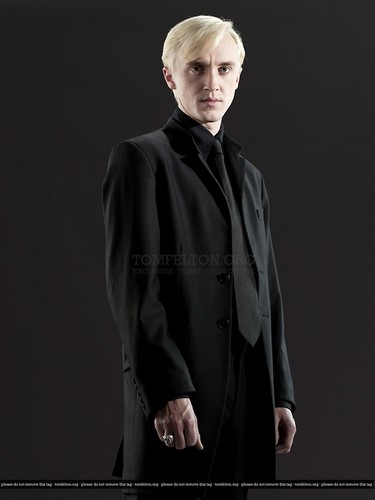 Draco Malfoy wallpaper probably containing a well dressed person called Draco Malfoy