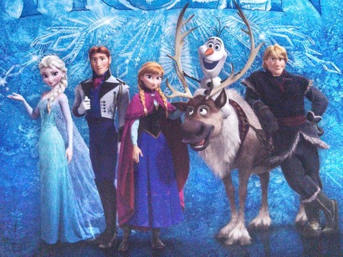 Elsa with the La Reine des Neiges cast of characters