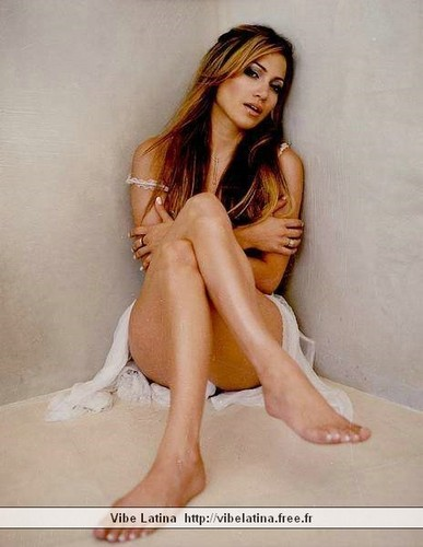 Jennifer Lopez wallpaper containing skin entitled FHM 1999 photoshoot