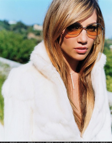 jennifer lopez wallpaper with a pele, peles coat, a mink, and sunglasses entitled FHM 1999 photoshoot