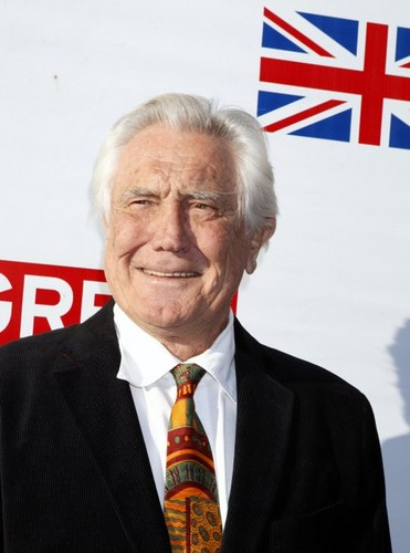 James Bond 바탕화면 with a business suit, a suit, and a 핀 스트라이프 called George Lazenby