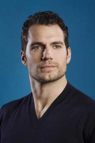 Henry Cavill photographed oleh Kirk McKoy for Los Angeles Times in Burbank, CA (May 30, 2013).