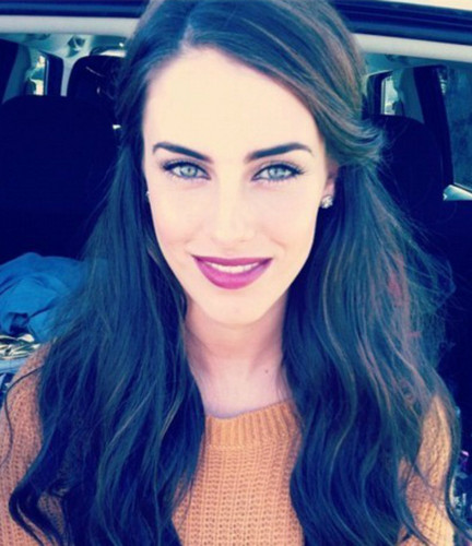 Jessica Lowndes wallpaper possibly with a portrait titled Jessica