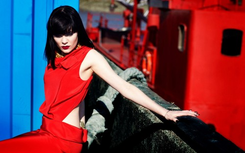 Jessie J in red