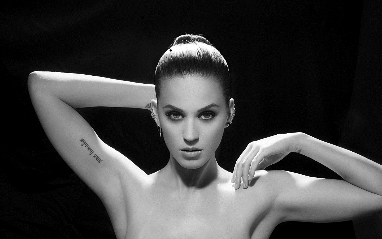 Katy Perry seductive