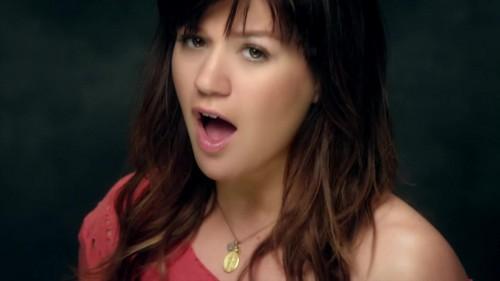 Kelly Clarkson- Dark Side {Music Video}