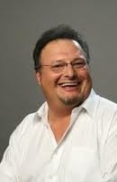Max played 의해 Wayne Knight