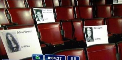 Miley's sitting plan