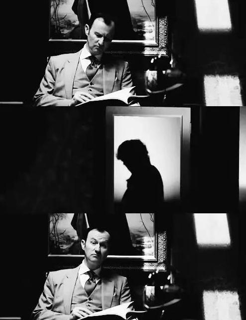 http://images6.fanpop.com/image/photos/35200000/Mycroft-Holmes-sherlock-on-bbc-one-35254132-494-642.jpg
