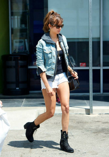 Nina out in LA (Aug. 10)