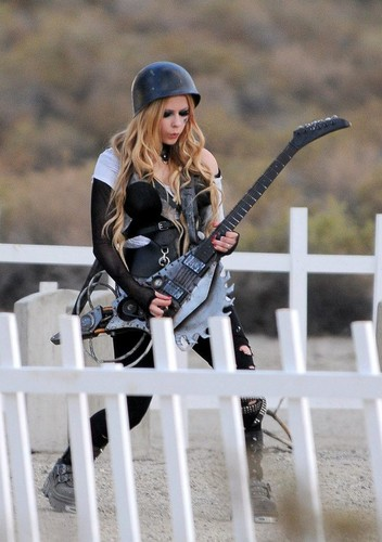Rock N Roll música Video