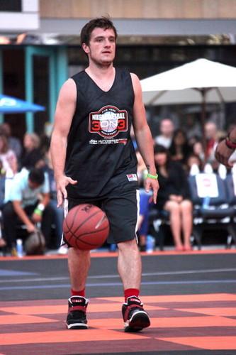 SBNN Charity baloncesto Game 2013