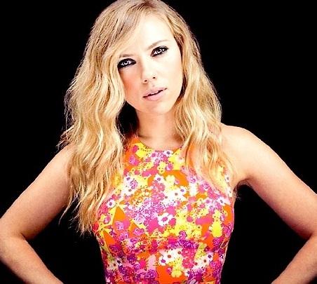 Scarlett@ComicCon2013