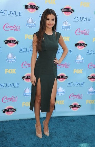 Selena @ 2013 Teen Choice Awards