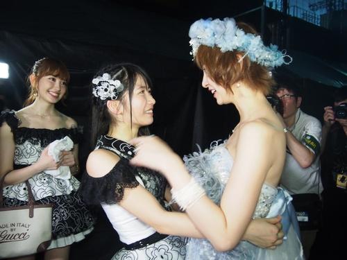 Shinoda Mariko Graduation