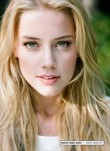 Teen-Vogue-2008-amber-heard-35297972-374-512.jpg