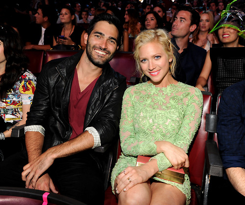 Tyler Hoechlin wallpaper possibly with a business suit and a hip boot titled Tyler Hoechlin & Brittany Snow- 2013 Teen Choice Awards