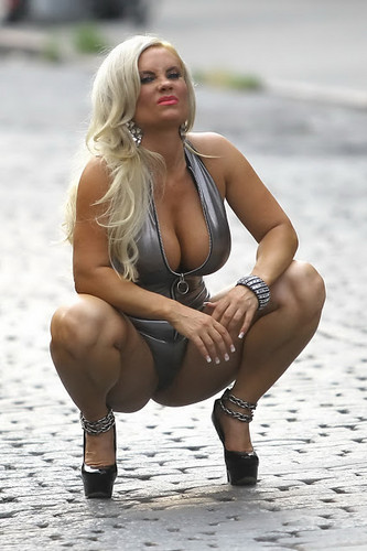 Nicole Coco Austin wallpaper probably with a swimsuit and skin called amazing coco