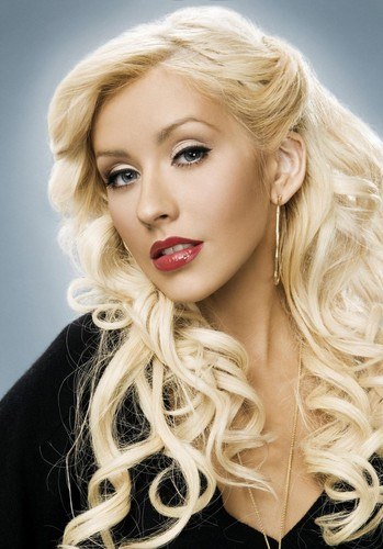 Keri Hilson wallpaper containing a portrait called christina aguilera