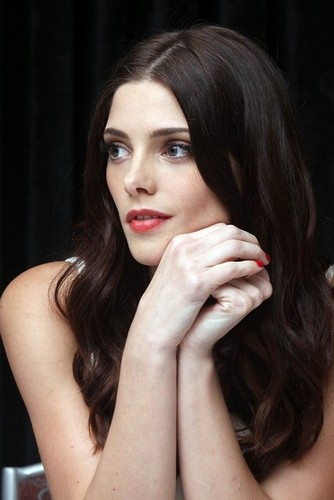 Ashley Greene wallpaper with a portrait entitled comic con