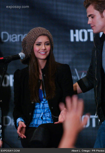 Paul Wesley and Nina Dobrev wallpaper containing a concert titled dobsley