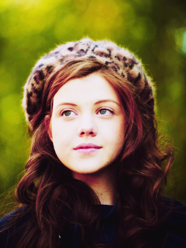 The Chronicles Of Narnia wallpaper probably containing a portrait entitled georgie henley