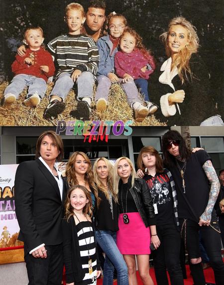 miley cyrus whole family♥ - Iam567 Photo (35297627) - Fanpop Whole Cyrus Family