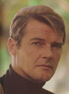 James Bond fondo de pantalla containing a portrait entitled Sir Roger Moore