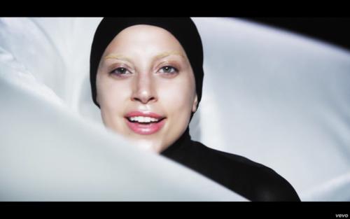 'Applause' 音楽 Video