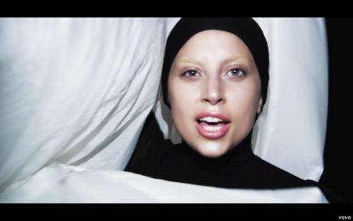 'Applause' موسیقی Video