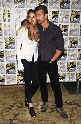 'Divergent' Panels Comic-Con 2013 [Day 1] (July 18, 2013)
