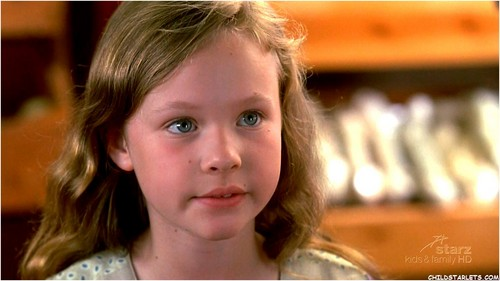 """Thora Birch achtergrond possibly with a portrait called """"Monkey Trouble"""" - 1994"""