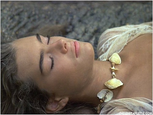 "brooke shields fondo de pantalla possibly with a neonate titled ""The Blue Lagoon"" - 1980"