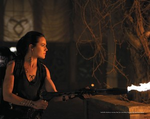 'The Mortal Instruments: City of Bones' official illustrated companion fotografias