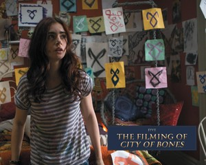 'The Mortal Instruments: City of Bones' official illustrated companion foto
